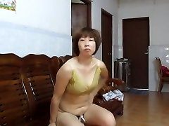 Chinese Unexperienced MILF Showcasing Off