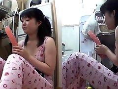 Asian teenage inserts fuck stick