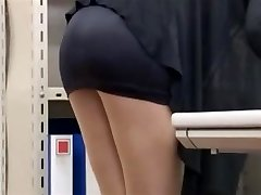 office lady lets him glance-byrequest