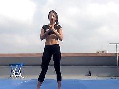 Korean dame Bodyfitness Minsoo workout 02