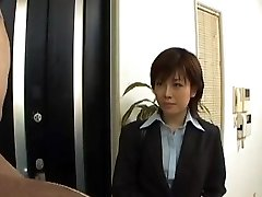 Yukino peels off office suit while deep-throating