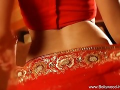 Bollywood Queen Of Softcore Dance Stellar MILF
