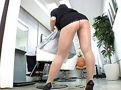 Reiko Nakamori Fabulous Barber In Pantyhose