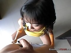 Tiny lady cummed in