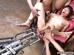Banging her with a fuck-fest machine and gimps go bananas