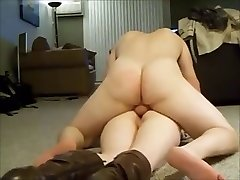 rump cougar screaming while getting anal on homemade