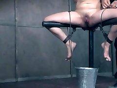 Slave cant stop splashing
