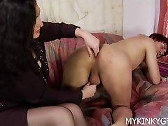 Dominating woman screws his ass