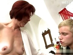 Buxom girlfriend tittyfuck