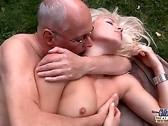 Lucky elder decrepit is dogging his kinky super-hot rich young bitch