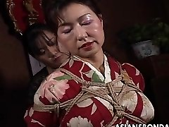 Japanese mature cockslut has a rope session to endure