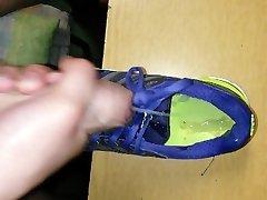 Cuming in sport boots