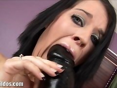 Clara is gaped by a phat violent dildo machine