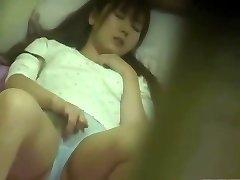 chienne japonaise mature se masturbe