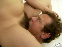 Brown-haired hussy Viola Starr gets her hairy cootchie licked