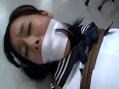 Chinese schoolgirl kidnapped and bound