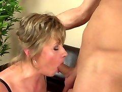Homeboy fucks mature mom harsh and nice