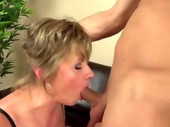 Homeboy fucks mature mother tough and cute