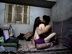 Desi dame fucked by her girlfriend #ryu