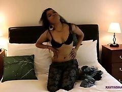 Hump Videos Of Kavya Sharma Stripping With Glamour Dance