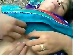 Bangladeshi maid outdoor sex with neighbor
