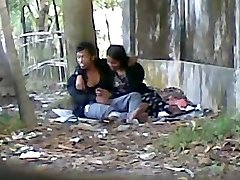 Deshi Cute LOver Deepthroating Hefty Cock In Public Park