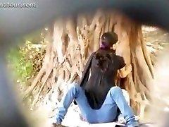 Ебля в общественном парке на SpyAmateur ком