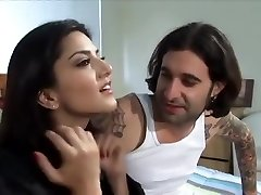 sunny leone plumbed by her husband