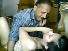 Desi paki Muslim pyari Beti Asma ko Abbu ne secretly Chodha