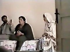 Pakistani Lahore Aunty Screw With boy