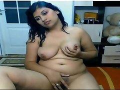 Kuuma India Tüdruk Alasti Ees Cam Possing tema Rindu Ja Fingering in Pussy Mms