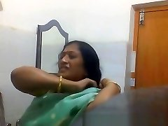 Indian Bengali Cougar Aunty Changing Saree in Bathroom