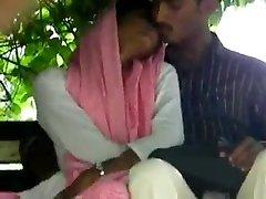 lovers handjob ja fingering inpak