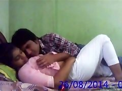 Huge-boobed Desi Indian Innocent College Girlfriend Fucked by BF