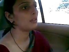 desi aunty fucking with her bf in car blow-job joy