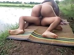 Cheating desi wife fucks her hubby's friend at farm ...