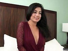 Nadia Ali-Hard-core 2015 muslim