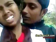 spicygirlcam - Desi Indian Chick Fellatio Her BF Outdoor