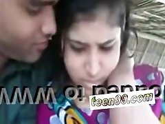 Indian village girl kissing beau in outdoor scandal - teenager99*com