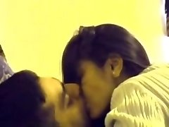 indian desi school teenie lovers mms in room