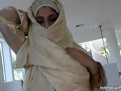 Надя Али с большим членом