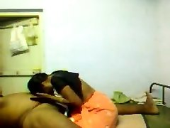 DESI INDIAN MAID Massaging AND BLOWJOB TO Holder