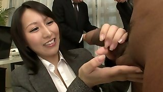 Dirty-minded Asian office hoe Yuuna Hoshisaki drains off cock with joy