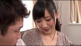 This Japanese Girl Know How To Please a Man