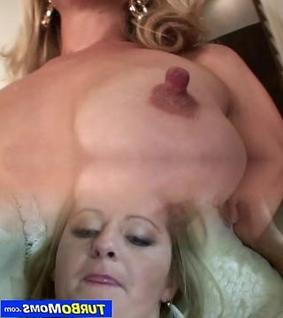 Skinny Reife Große Brustwarzen