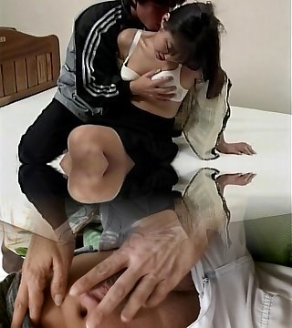 Chinese gets her vulva opened wide by boyfriend and fingers her on the bed