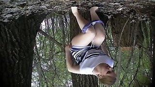 Russian chicks pee in the wedding park 02