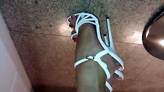 Mega highheels on wonderful feet