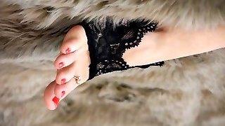 Feet 002 - Early Christmas Introduce