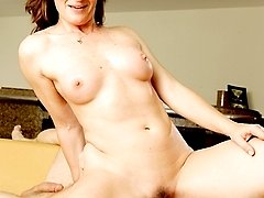 A Spoiled MILF hires a masseuse
